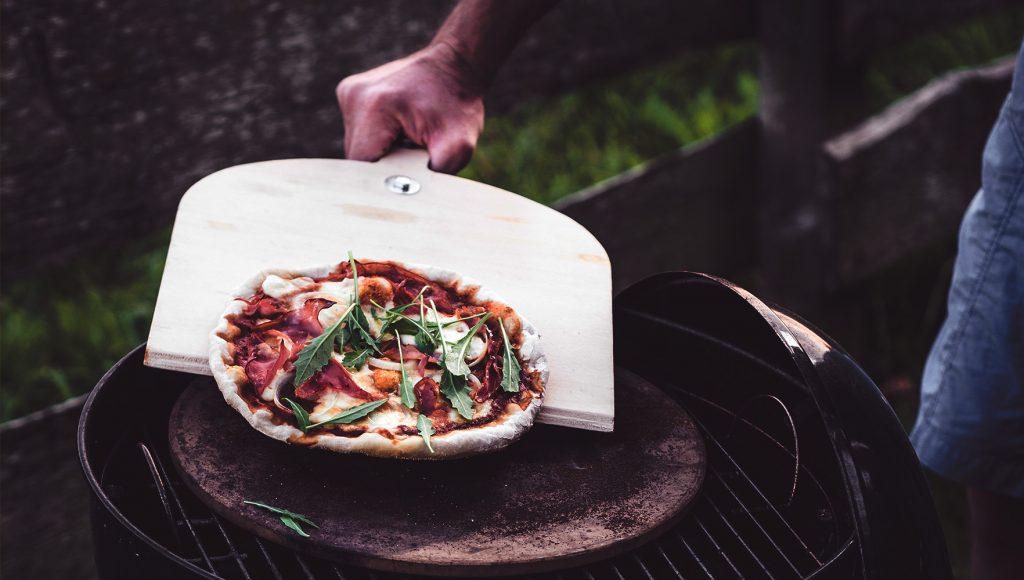 سنگ پیتزا و روش نظافت آن